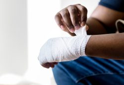 Making a Personal Injury Claim: How It's Different From a Lawsuit